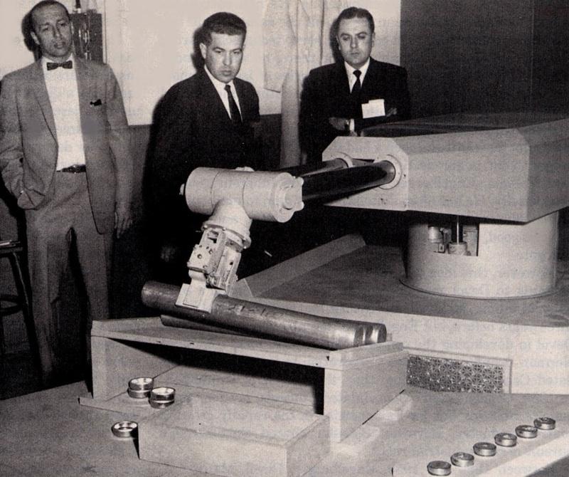Predvádzanie prvého priemyselného robota od firmy Unimation (foto: Unimation)