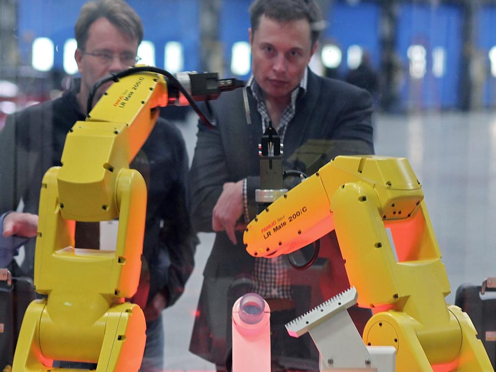 Musk v závode FANUC Robot Assembly (foto: Wikimedia Commons)