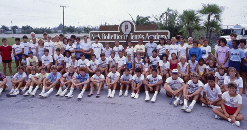 Členovia tenisovej akadémie Nicka Bolletieriho
