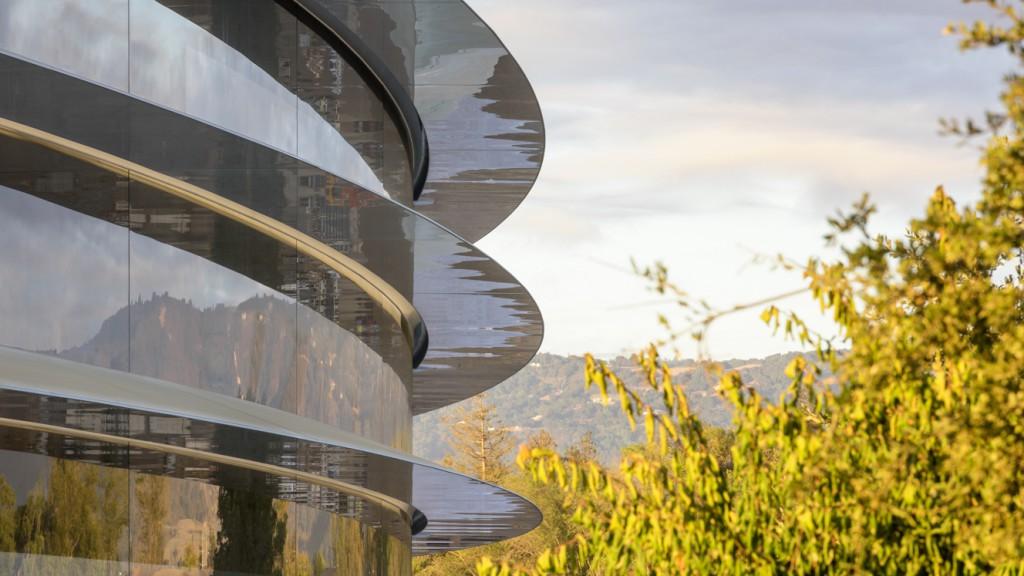 Nové sídlo Apple je už skoro hotové. Zdroj: Steven Levy a Dan Winters pre WIRED