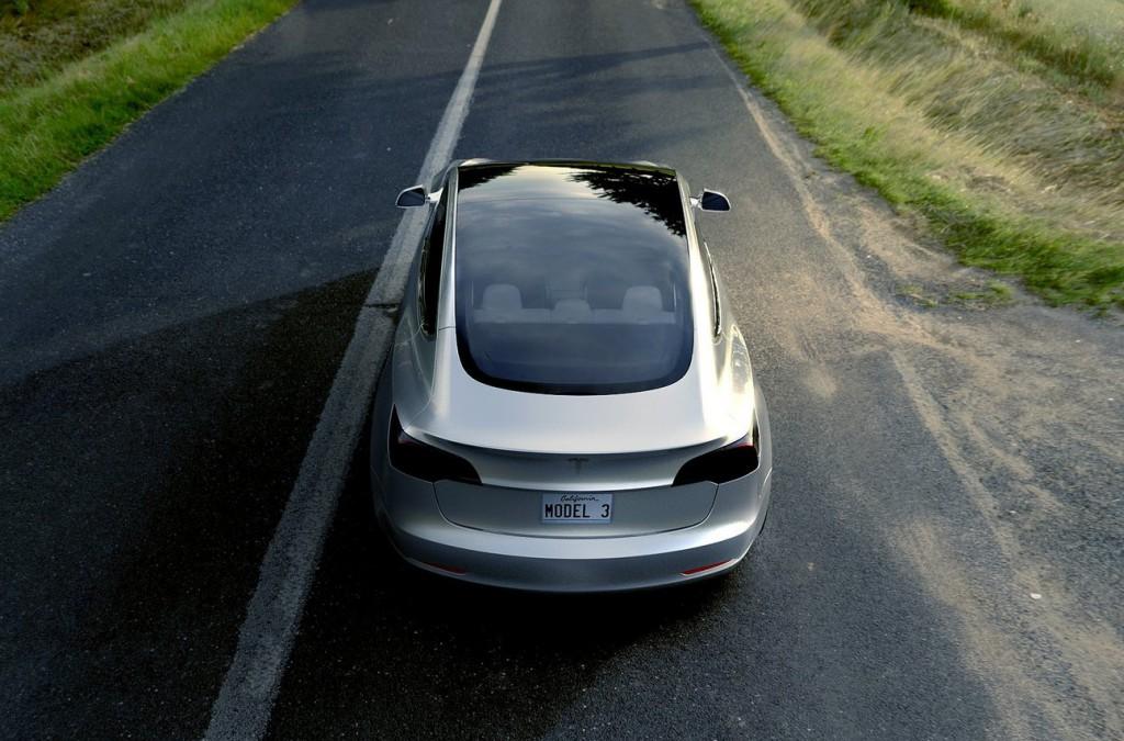 Elektromobil Tesla Model 3 (modelový ročník 2018)