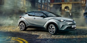 Toyota-C-HR-2017-1600-04