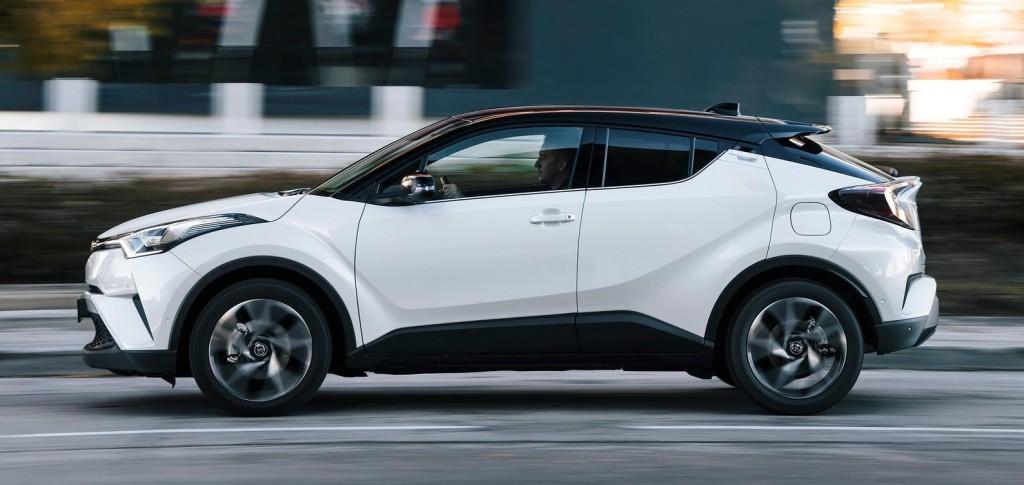 Toyota-C-HR-2017-1600-52