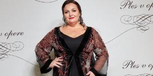 Renáta Názlerová, moderátorka, spisovateľka – kópia