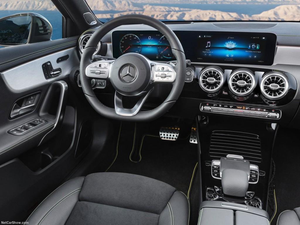 Mercedes-Benz-A-Class-2019-1280-2d