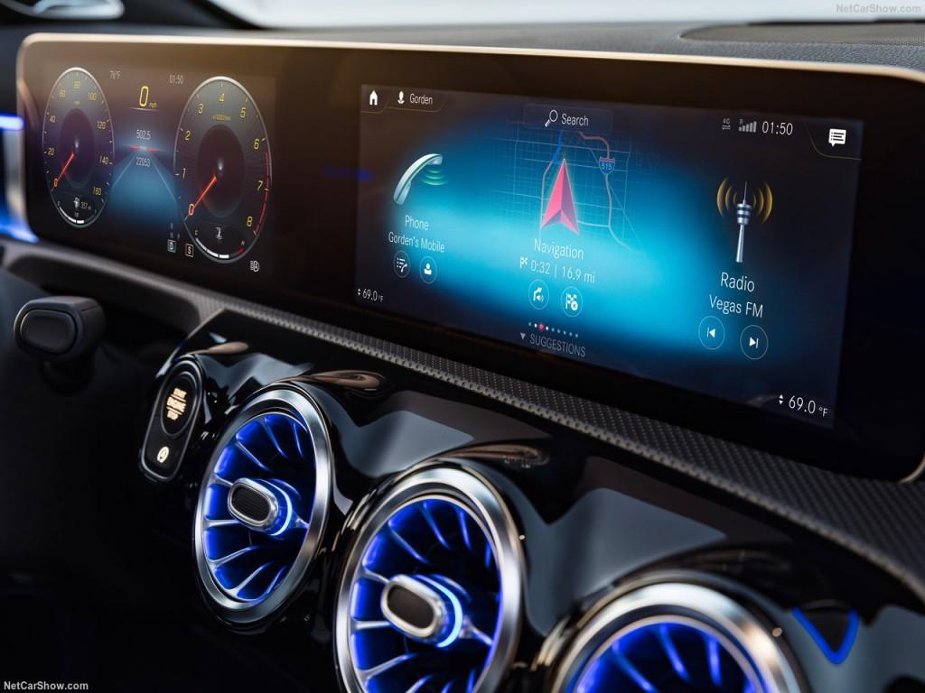 Mercedes-Benz-A-Class-2019-1280-46