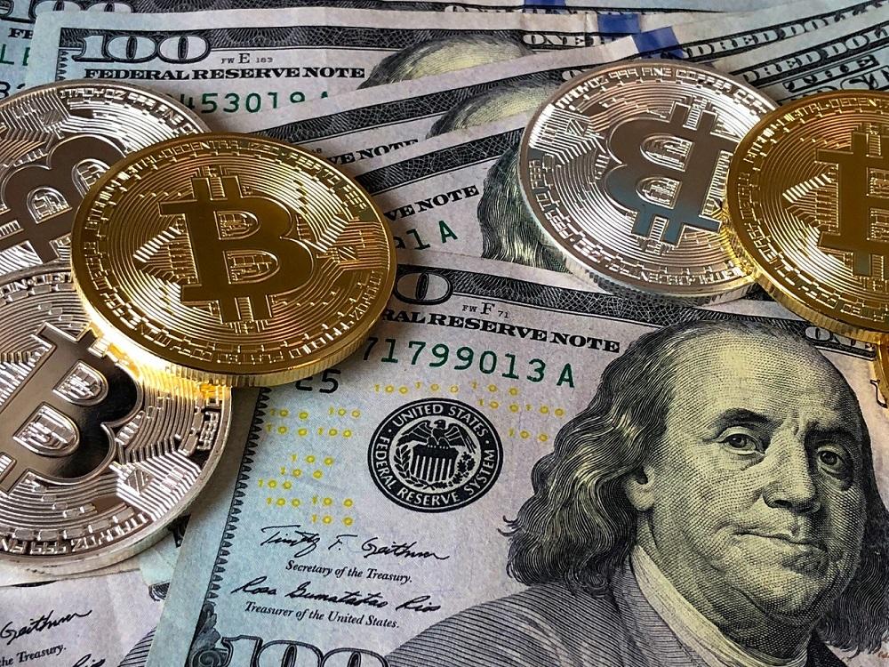Už dnes môžeme za služby a produkty platiť v tradičných i virtuálnych menách, avšak kryptomeny momentálne trpia na extrémne výkyvy hodnôt