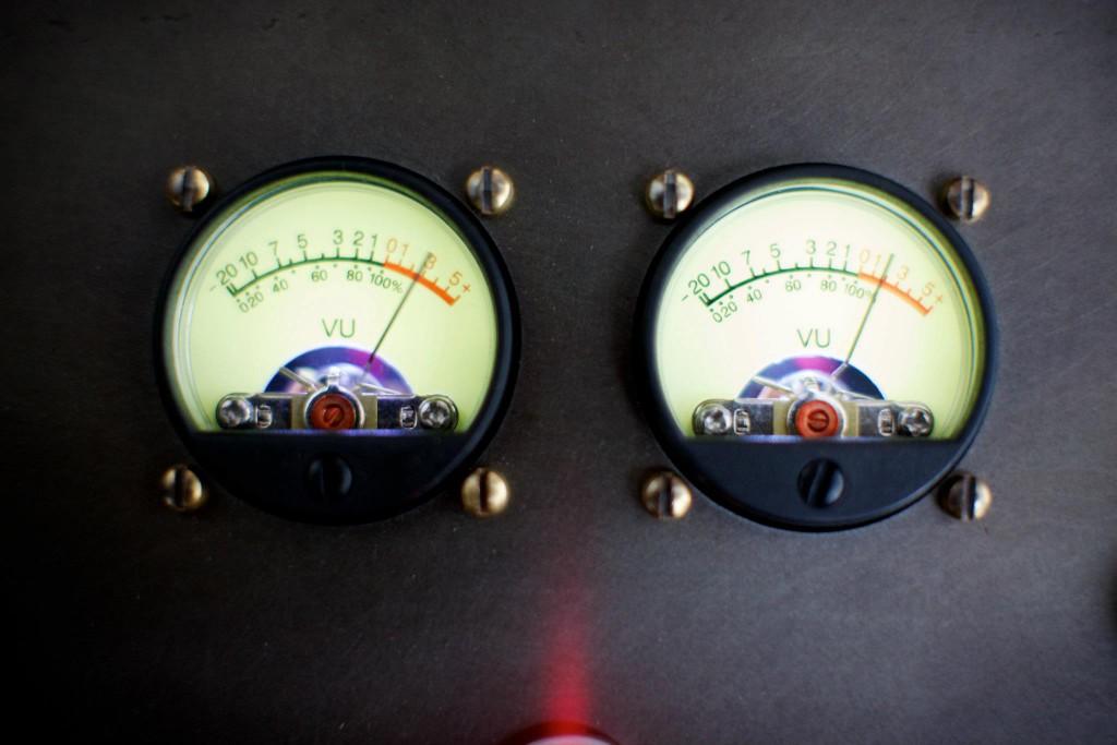 Symbol Audio Modern Record Console (3)