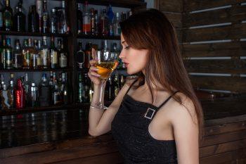 who, zena, alkohol