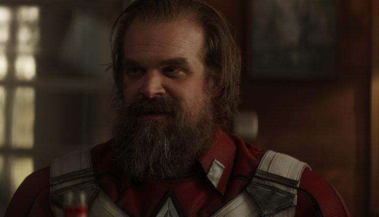 David Harbour ako Red Guardian