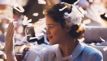 Claire Foy ako mladá kráľovná Alžbeta II. v seriáli The Crown vyhrala cenu Emmy Awards